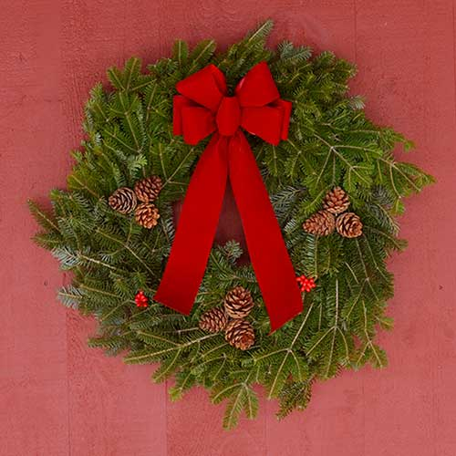 2020 Traditional Decorated Wreath